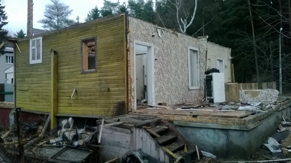 Демонтаж садового дома